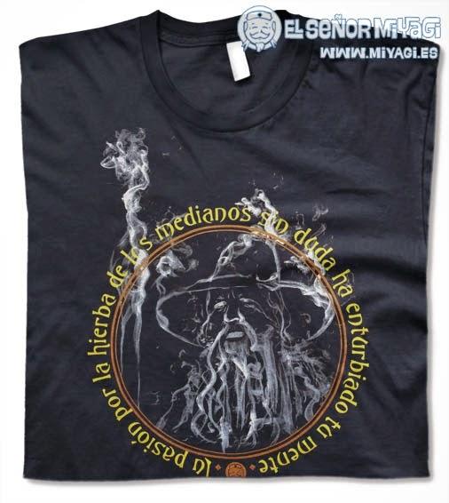 http://www.miyagi.es/camisetas-de-chico/Camiseta-Gandalf-Hierba-de-los-medianos