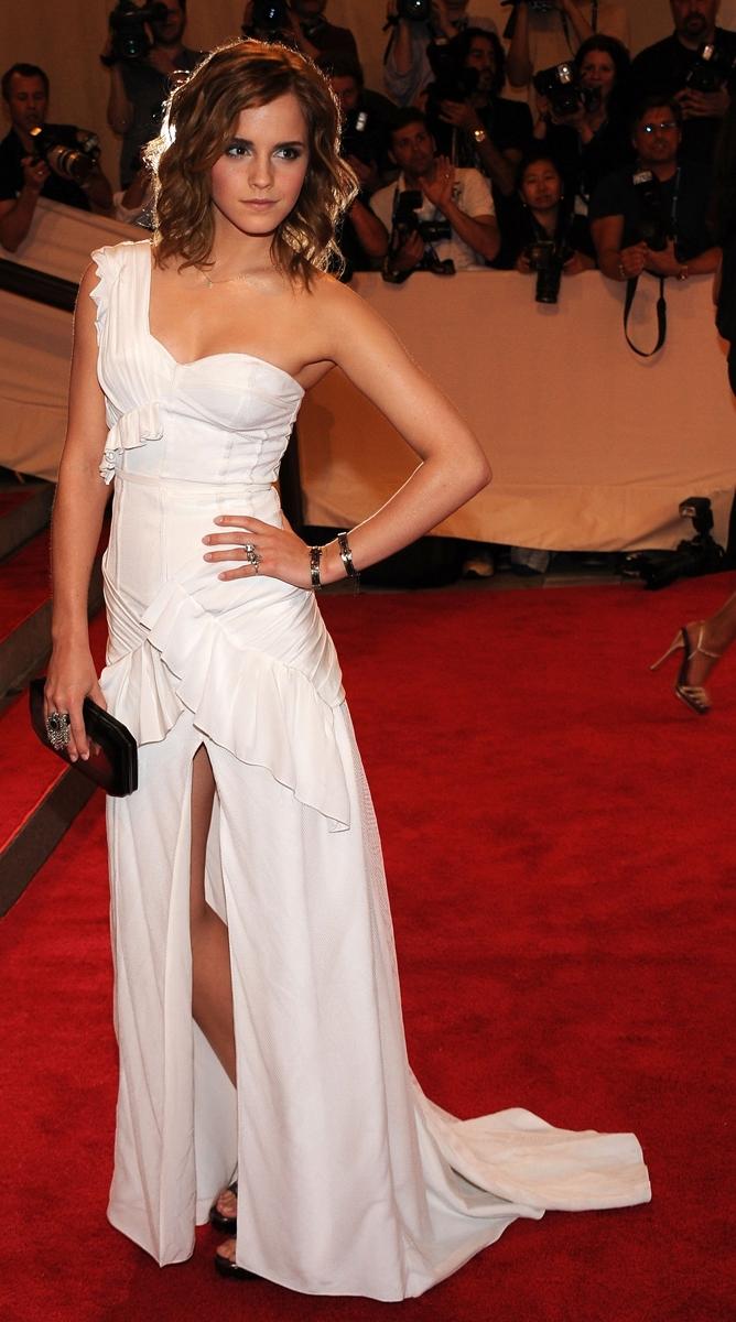 Red Carpet Dresses: Emma Watson - Met Gala 2010