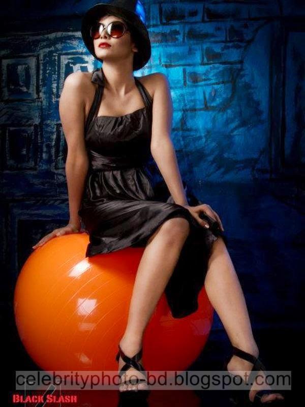 Ramp+Model+Mumtaheena+Toya+Studio+Black+Slash+PhotoShoot+And+Hot+Pose006