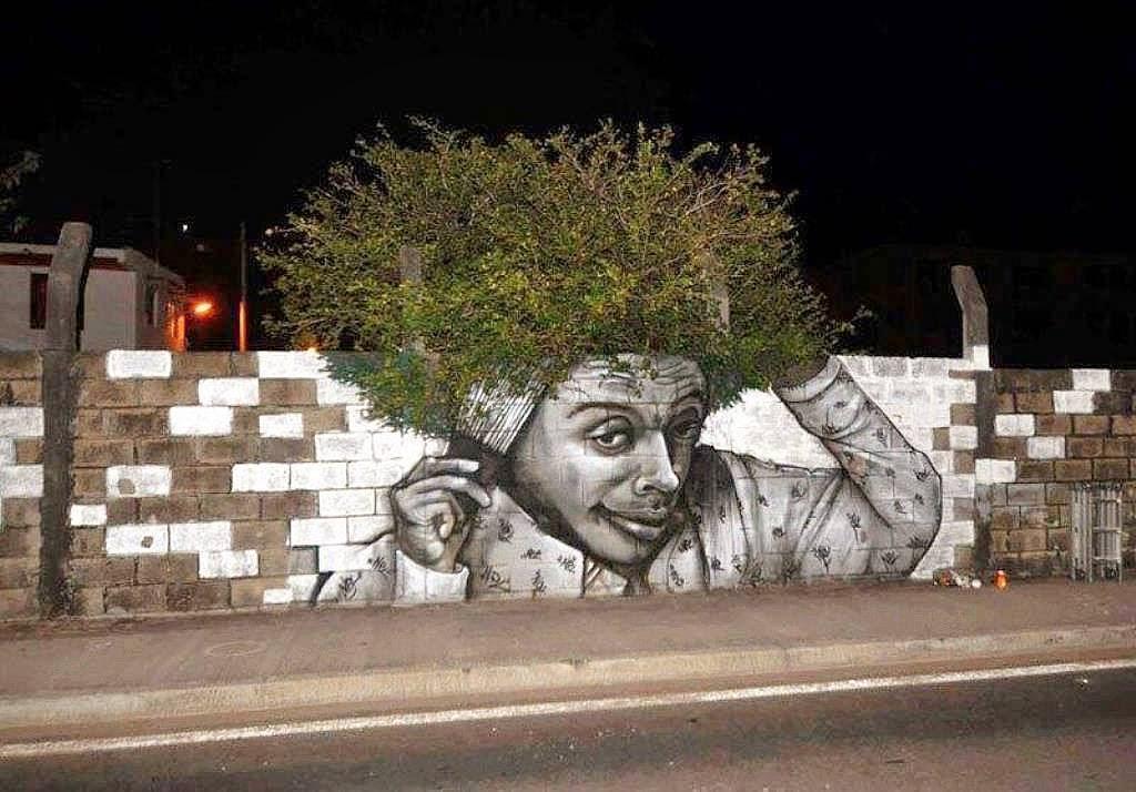ingenioso graffitti con arbol
