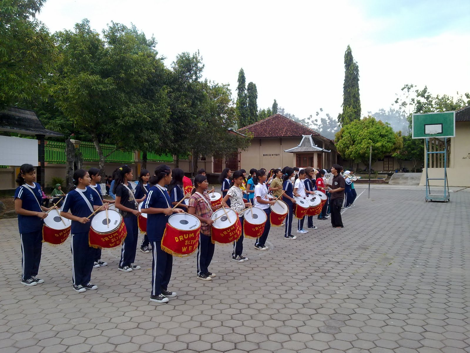 Latihan Drum Band, Jumat 20 Mei 2011