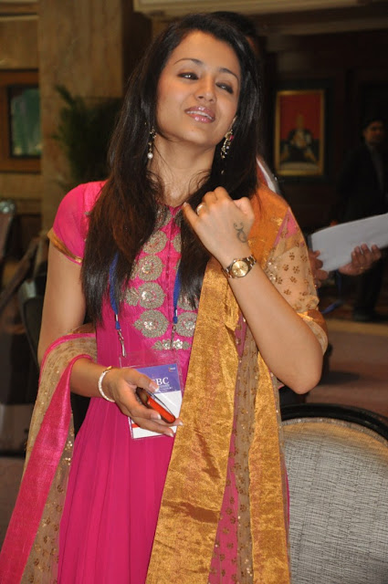 trisha ... latest photos