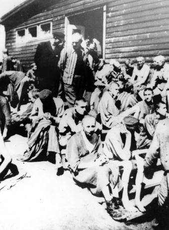 [Pruebas] Listado de españoles muertos en el campo de concentración Mathausen-Gusen. Barracon_hospital_Mauthausen