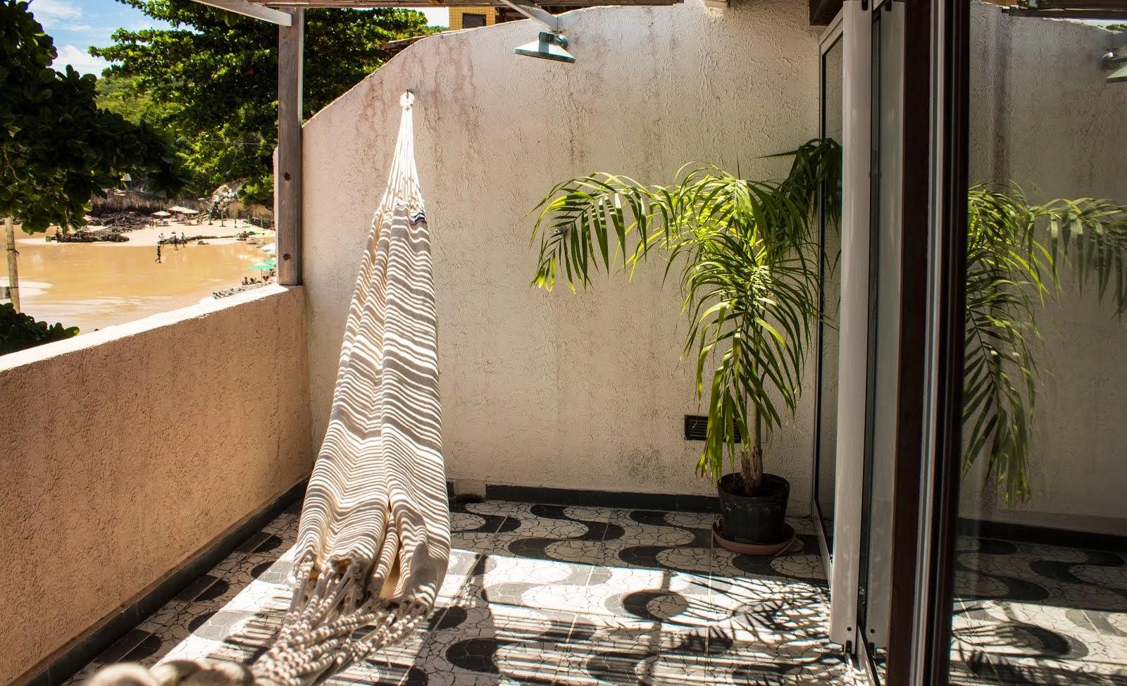 COCO BEACH REDE E CHUVEIRO NA AMPLA VARANDA