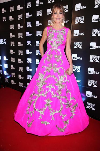Moda en la Gala Fundaleu vestidos de fiesta famosos.