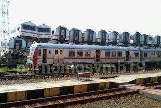 Tumpukan Gerbong Kereta Di Stasiun Purwakarta