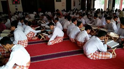 Anak-anak Tahfiz di Surau SM Imtiaz Ulul Albab Melaka