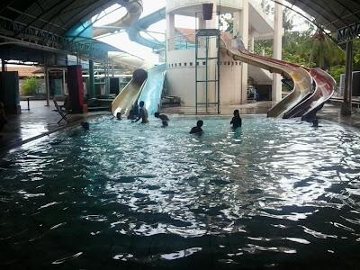 Kolam Renang Hotel Sendang Sari Batang