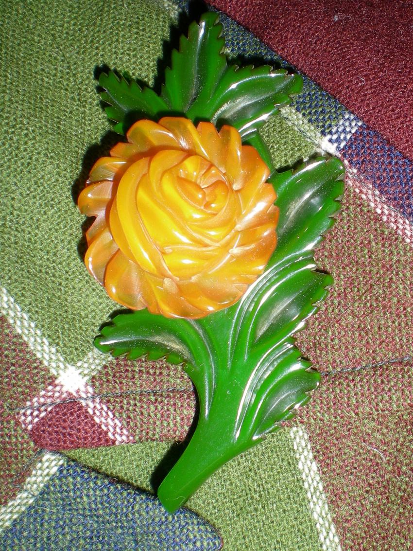 bakelite pin, bakelite brooch, carved bakelite