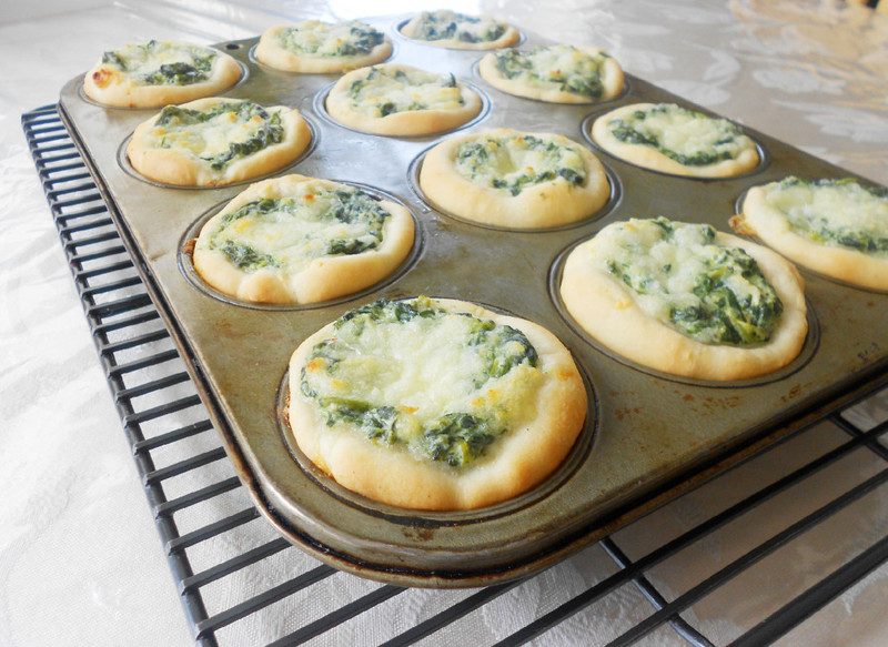 Culinary Couture: Baked Spinach Dip Mini Bread Bowls