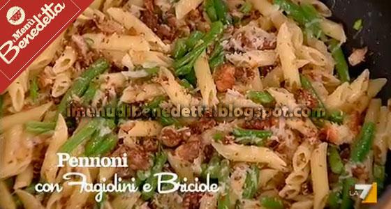 Pennoni con fagiolini e briciole la ricetta di benedetta - Cucinare i fagiolini ...