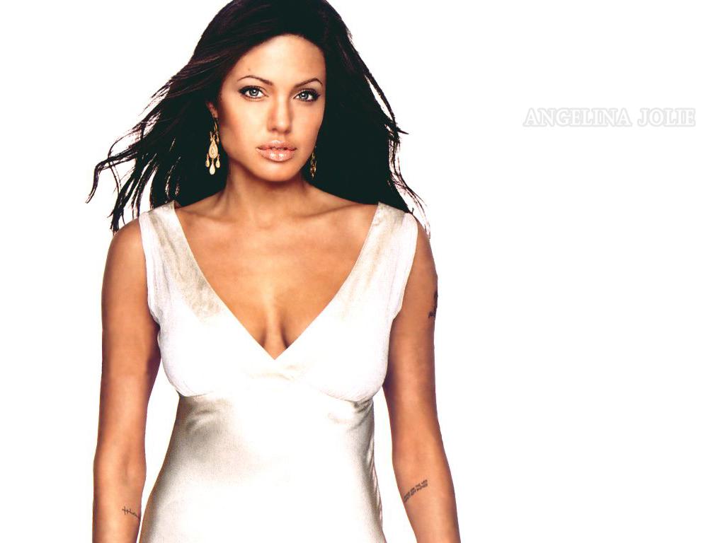 http://4.bp.blogspot.com/-nVMInY3fePk/TVhJtllCDzI/AAAAAAAAM40/JQ72283P_-o/s1600/wallpaper+Angelina+Jolie+5.jpg