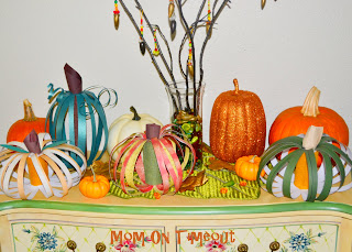 paper crafts for halloween: scrappy pumpkins, recycling paper