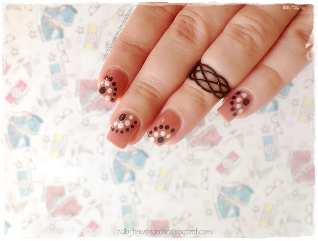 Twinsie Tuesday: Dotticure | Dotted Circles Nail Art