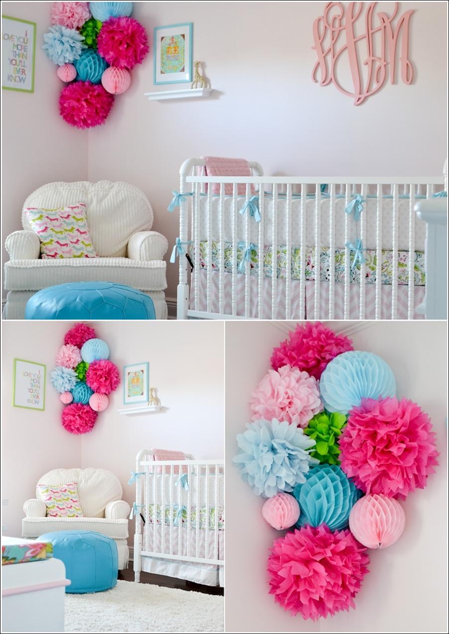 D corez la chambre de votre b b avec des pompons for Deco mural bebe