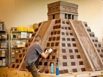 Wow !! Cokelat Replika Piramida Suku Maya Pecahkan Rekor Dunia !! [ www.Bacaan.ME ]