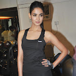 Sonal Chauhan Looks Super Sexy In Tight Black Gym Wear as She Promotes Film '3G' At Her Personal Gym In Mumbai