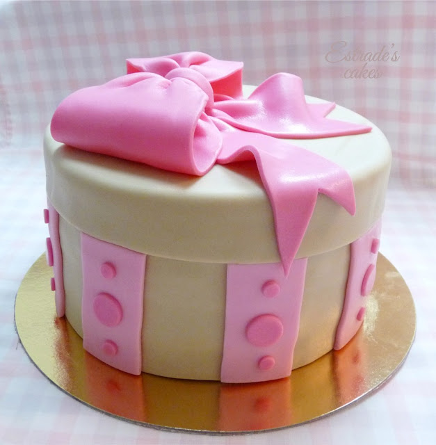 tarta caja decorada con fondant - 3