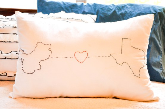 Cute Long Distance Pillow : Adventures in DIY: Embroidered Map Pillow: Pinterest Addiction #7