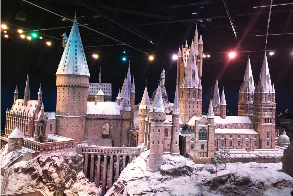 Warner Bros Studio Tour The Making of Harry Potter - Hogwarts Castle