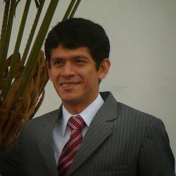 Lic. Engels Ortiz Samanamud - Director de E-HUACHO