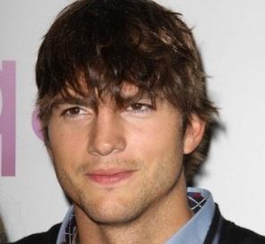 Ashton Kutcher mide 1,89 metros.