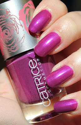 http://lacquediction.blogspot.de/2013/09/catrice-eve-in-bloom-swatches-review.html