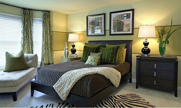 Striped walls bedroom ideas luck interior for Striped bedroom walls