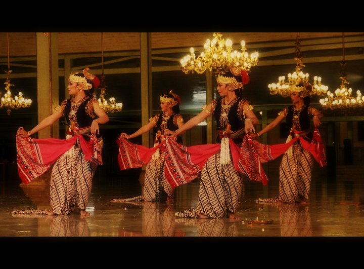 Tari Serimpi Yogyakarta Gambar Tari Serimpi