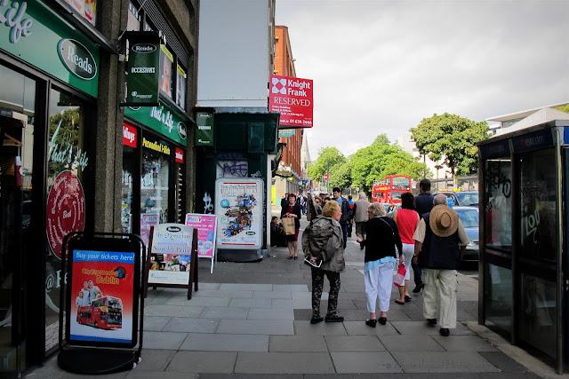 Dublin streets, people walking