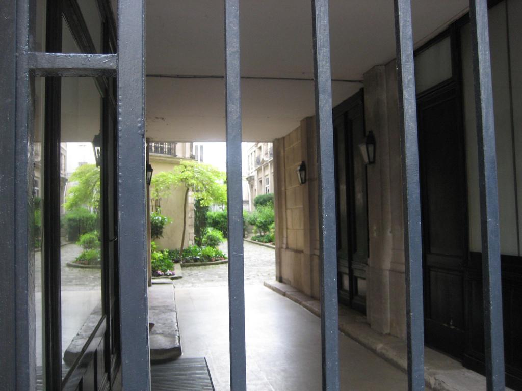 Materfamilias writes paris apartments continued - Monoprix boulevard saint germain ...
