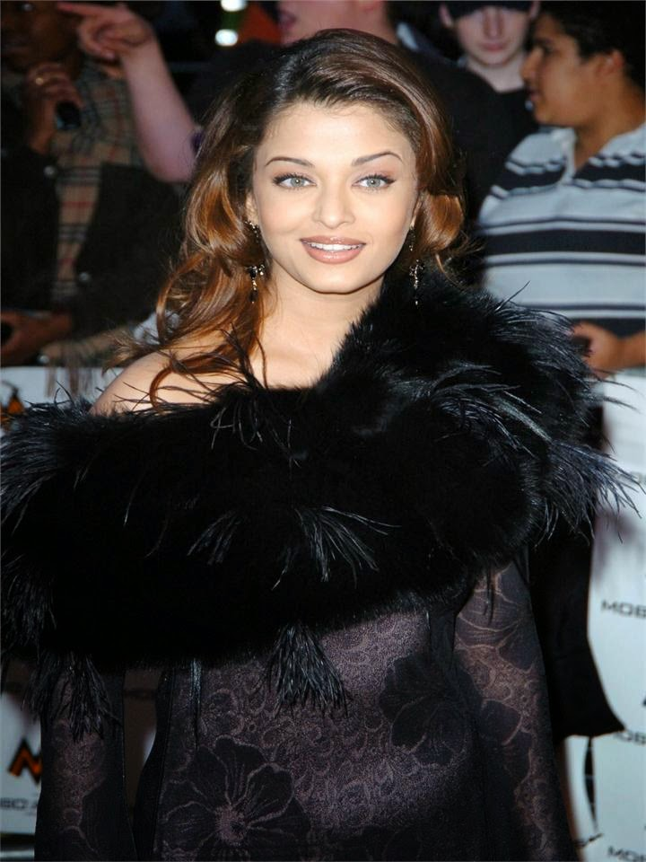 Aishwarya Rai's Hot See through skirt shows off her white tight bra and nip impression hot pcis sexy unseen rare hto pics hot bollywood actress photo gallery