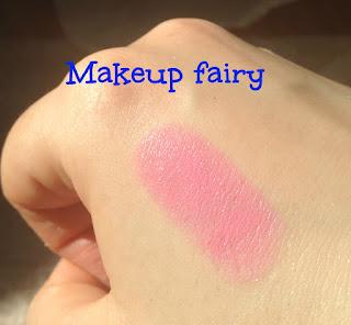 mac a novel romance lipstick swatches