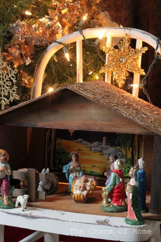 Christmas Manger Scene: The Charm of Home
