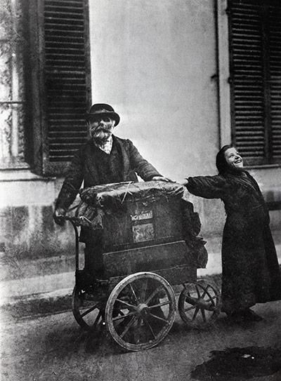 Eugène Atget's Joueur d'Orgue
