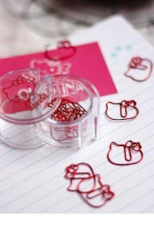 Hello Kitty shaped paper clips