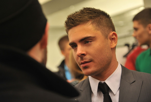 Zac Efron Hairstyles Pictures Hair Gallery Hairstyles Haircuts