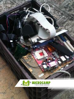 recolhendo lixo eletronico na microcamp