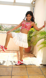 Aarthi Puri Hot in Short Skirt Pictures