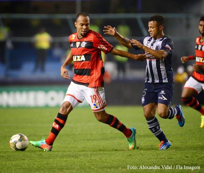 Flamengo e seus jogos: Emelec (EQU) 1 x 2 Flamengo