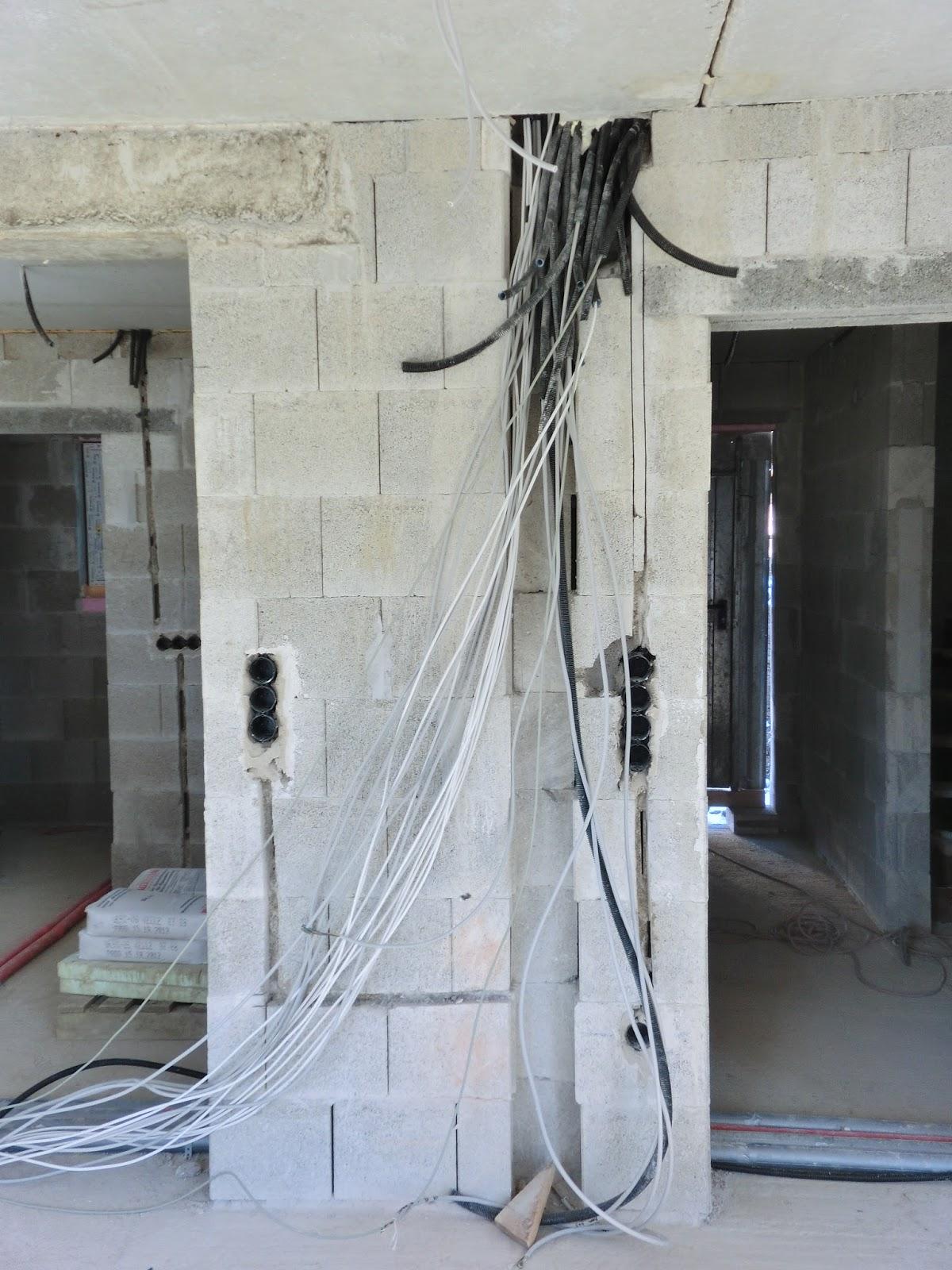 Unser Traum vom Haus: Rohinstallation Elektro