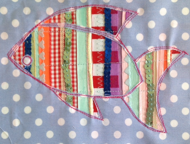 Holloughby: Sewing Tuesday: Reverse applique spangly fish picture