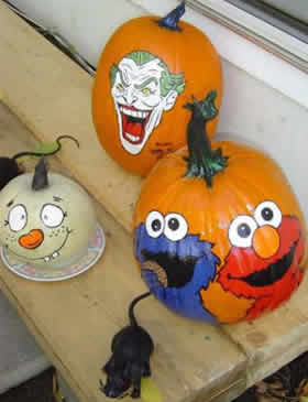 Paint your pumpkins for halloween using these designs Funny pumpkin painting ideas