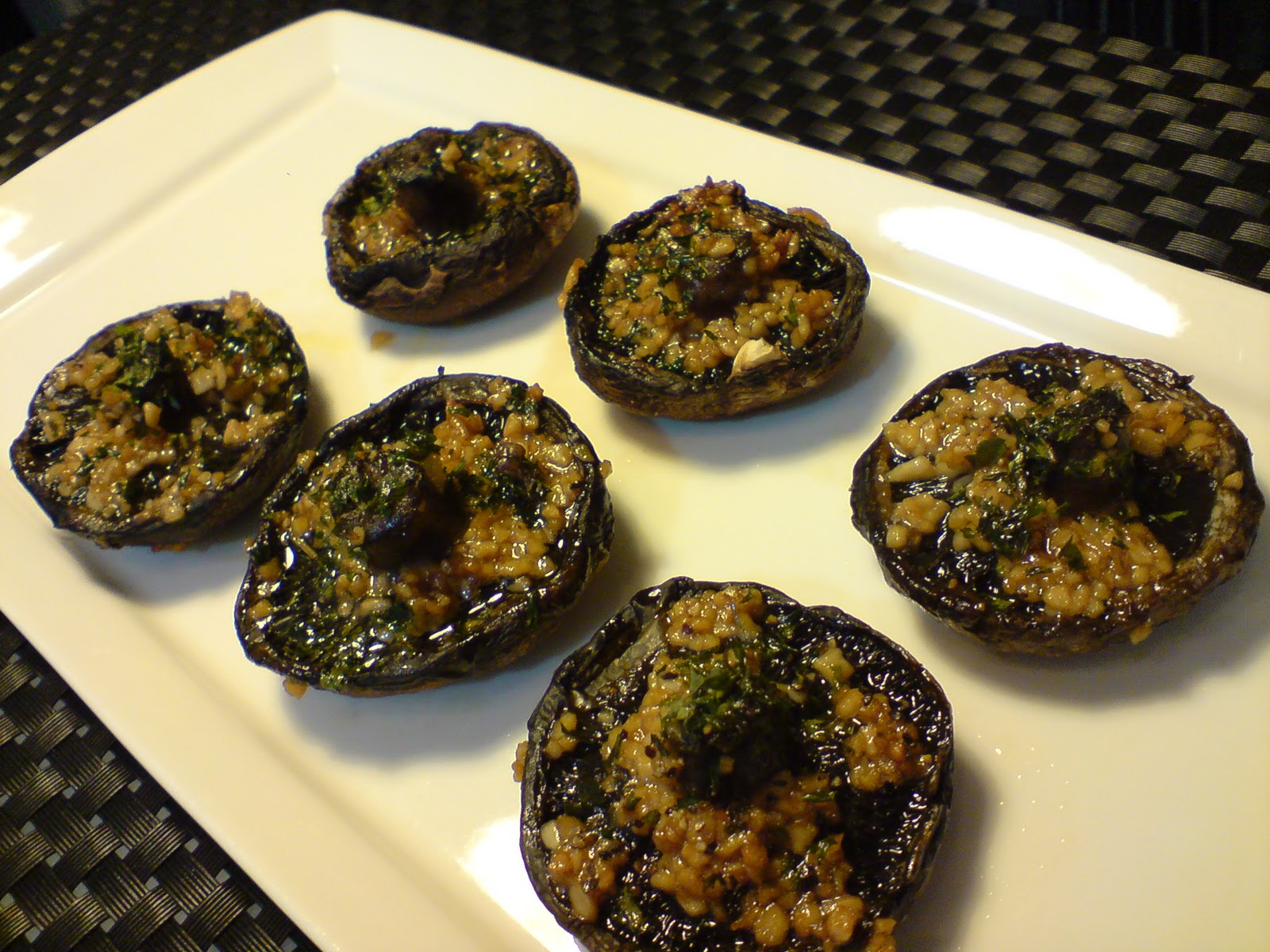 Grilled Portobello Mushroom with Garlic, Butter and Parsley | Shan's ...