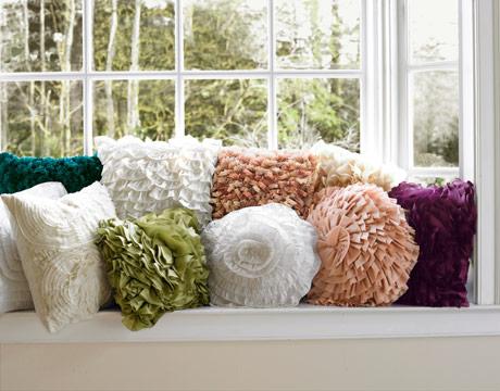 Decorando dormitorios fotos de cojines decorativos para salas - Hacer cojines para sofa ...