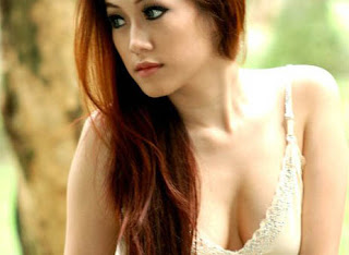hot Model Seksi Ratu Frieska [PIC]