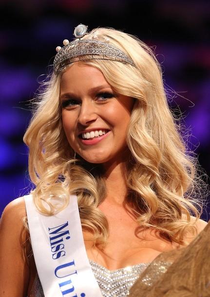 Miss Universe Australia 2012 winner Renae Ayris