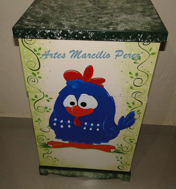 trio de caixas da Galinha pintadinha R$ 140,00