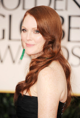 Julianne Moore Long Wavy Cut Hairstyle Lookbook