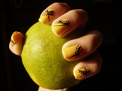 always loved yellow. But I never really had yellow nail paints and I